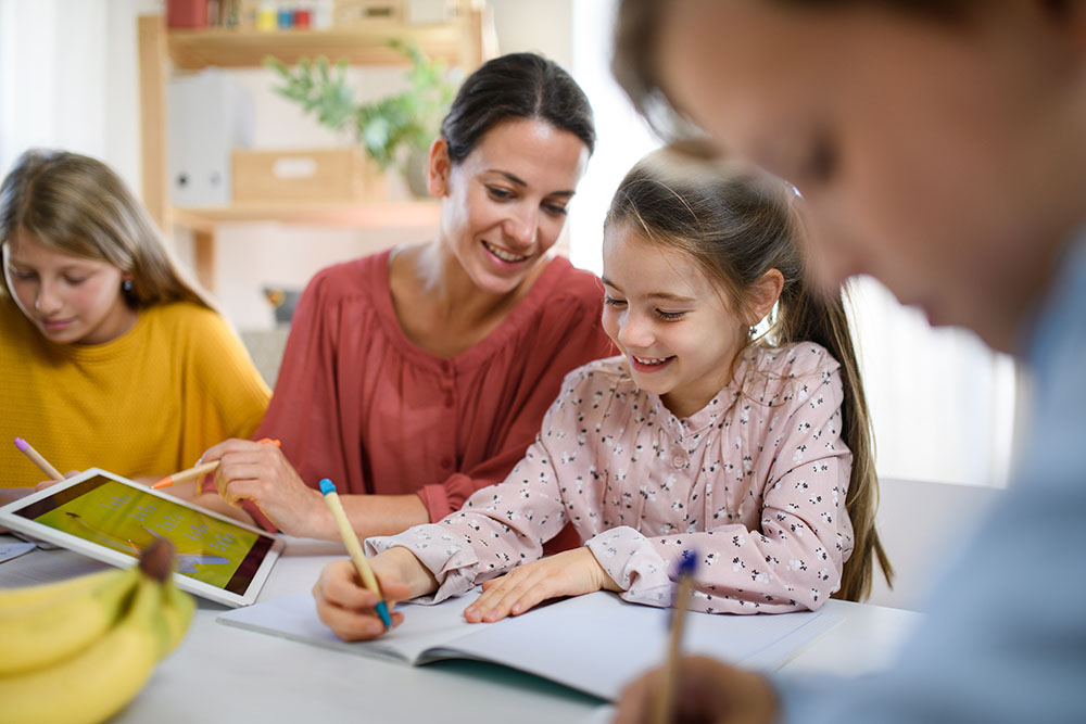 How to become a teachers assistant